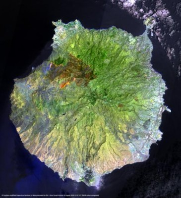 Title: Gran Canaria wildfire<br />Released 21/08/2019 9:56 am<br />Copyright contains modified Copernicus Sentinel data (2019), <br />processed by ESA, CC BY-SA 3.0 IGO